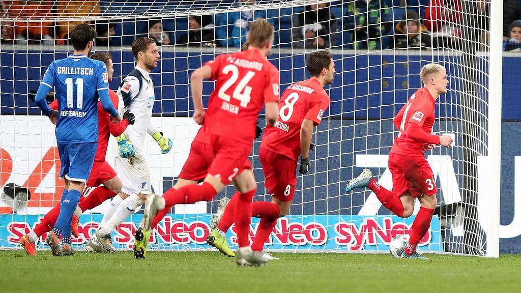 Philipp Max (r.) überzeugte beim FCA als Doppel-Torschütze
