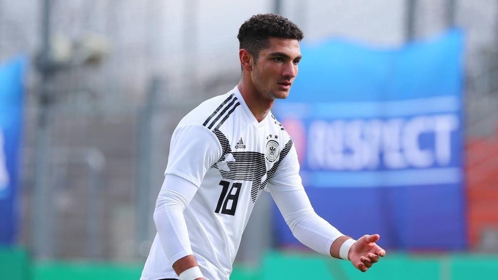 Kerim Calhanoglu soll vor einem Wechsel zum FC Schalke 04 stehen