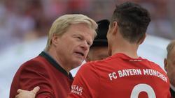 Ist auf Rekordkurs: Torjäger Robert Lewandowski (r.) vom FC Bayern