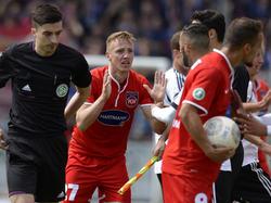 Michael Thurk (M.) vom 1. FC Heidenheim ist nach seiner Roten Karte für drei Spiele gesperrt worden