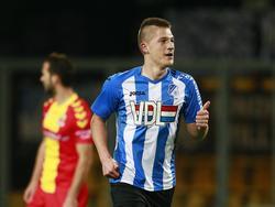 Jinty Caenepeel kan juichen tijdens het competitieduel Go Ahead Eagles - FC Eindhoven (27-11-2015).