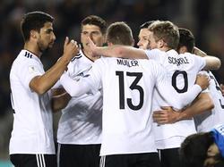 Das DFB-Team jubelt über das Tor zum 1:0. 26.03.2017