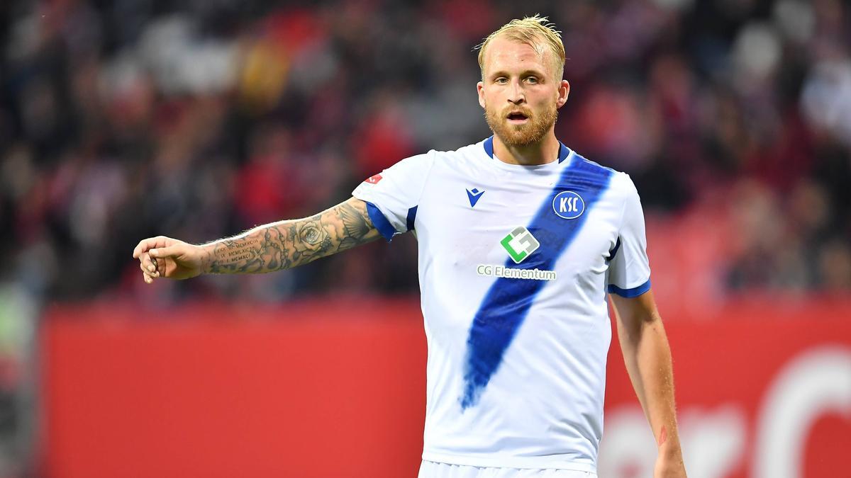 Philipp Hofmann^vom Karlsruher SC