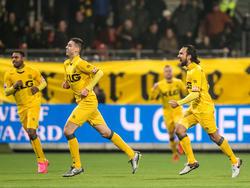 Hicham Faik (m.) kan juichen na het scoren van de 0-1 tijdens het competitieduel Excelsior - Roda JC Kerkrade. (23-01-2016)
