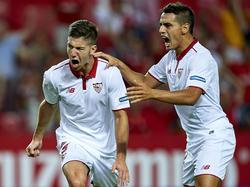 Vietto y Ben Yedder celebrando un gol del Sevilla en Champions. (Foto: Getty)
