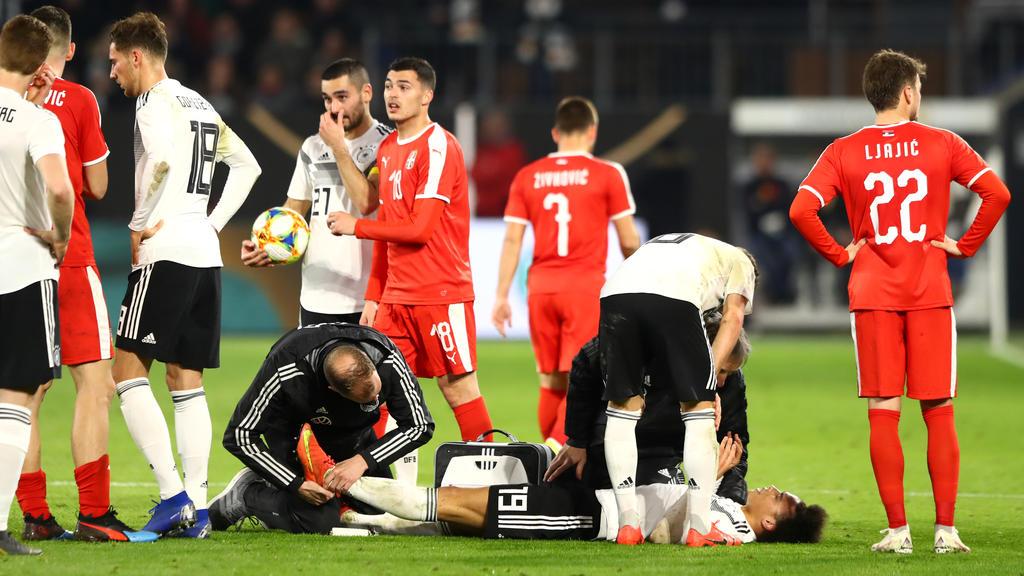 Leroy Sané hat sich im Spiel gegen Serbien nur leicht verletzt