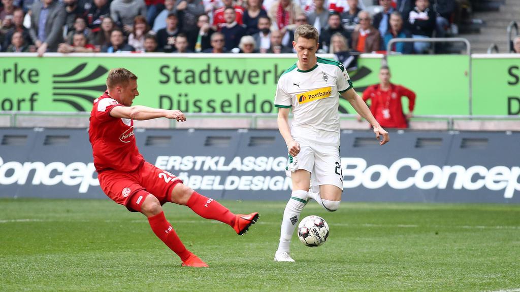 Rouwen Hennings (l.) erzielte einen Doppelpack gegen Gladbach