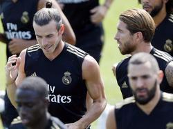 Bale conversa con Ramos en un entrenamiento reciente.