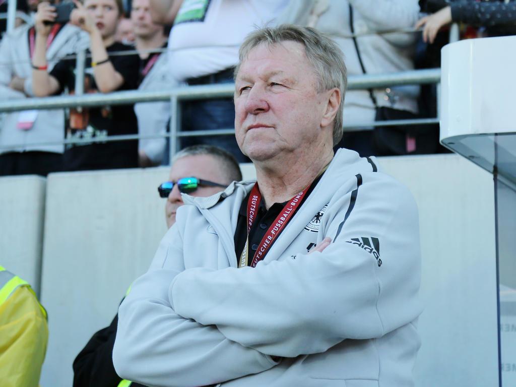Horst Hrubesch betreut zur Zeit die DFB-Damen