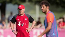 Carlo Ancelotti trainierte Javi Martínez (r.) schon zu Bayern-Zeiten