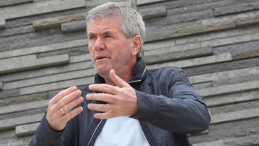 Friedhelm Funkel sieht hohe Trainer-Ablöse kritisch