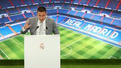 Hazard se dirige al madridismo desde el palco del Bernabéu.