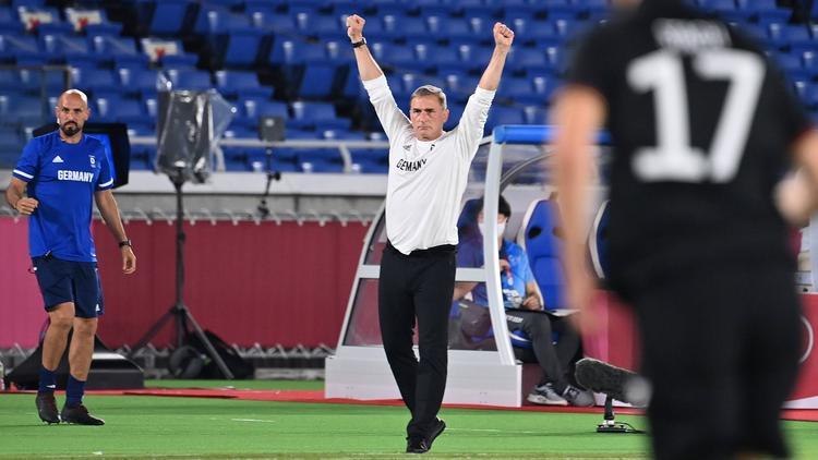Stefan Kuntz und das DFB-Team setzen sich gegen Saudi-Arabien durch