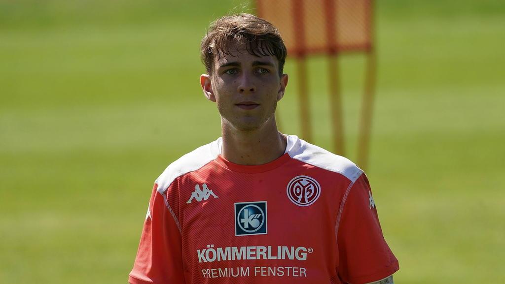 Lasse Rieß bleibt Mainz noch länger erhalten