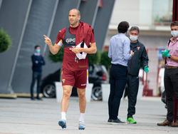 De Silvestri, jugador del Torino, llegando a un entrenamiento.