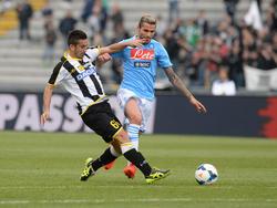Valon Behrami con la maglia del Napoli