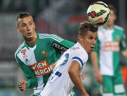 Stefan Nutz wird sich künftig mit Dominik Wydra um einen Platz im zentralen Mittelfeld streiten