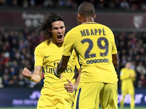 Kylian Mbappé (r.) traf bei seinem Einstand für PSG