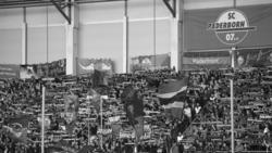 Das Spiel zwischen den FC Bayern und dem SC Paderborn wurde von einem Todesfall überschattet