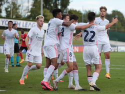 Die U19 von Real Madrid jubelt über den Titel in der UEFA Youth League
