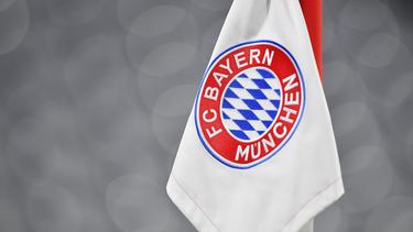 1860-Anhänger beklebten Straßennamen beim FC Bayern