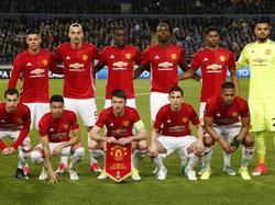 De spelers van Manchester United voorafgaand aan het duel met RSC Anderlecht. (13-04-2017)