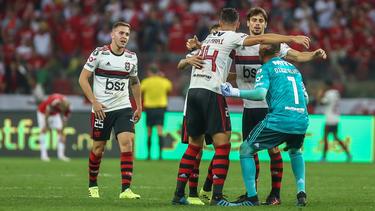 El Flamengo enmudeció a la hinchada local.