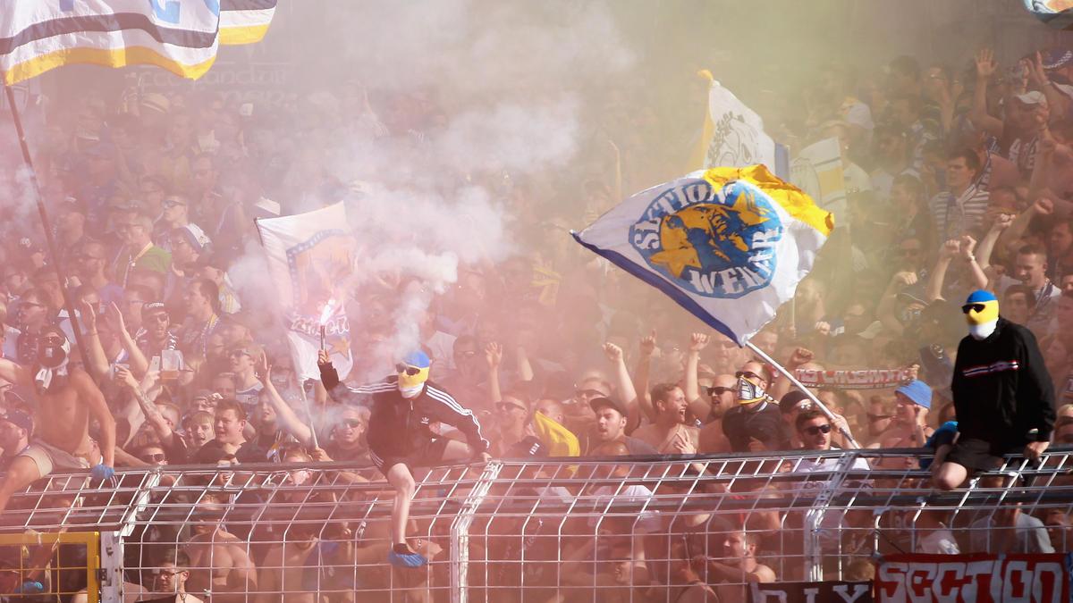Drittligist Carl Zeiss Jena soll vom DFB wegen Fehlverhalten der Fans sanktioniert werden