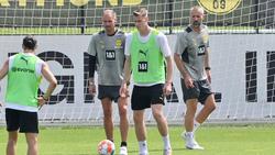 Steffen Tigges (2.v.r.) bereitet sich derzeit mit den Profis auf die neue Saison vor