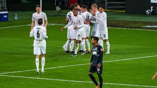 Gladbach siegt, Werder belohnt sich nicht