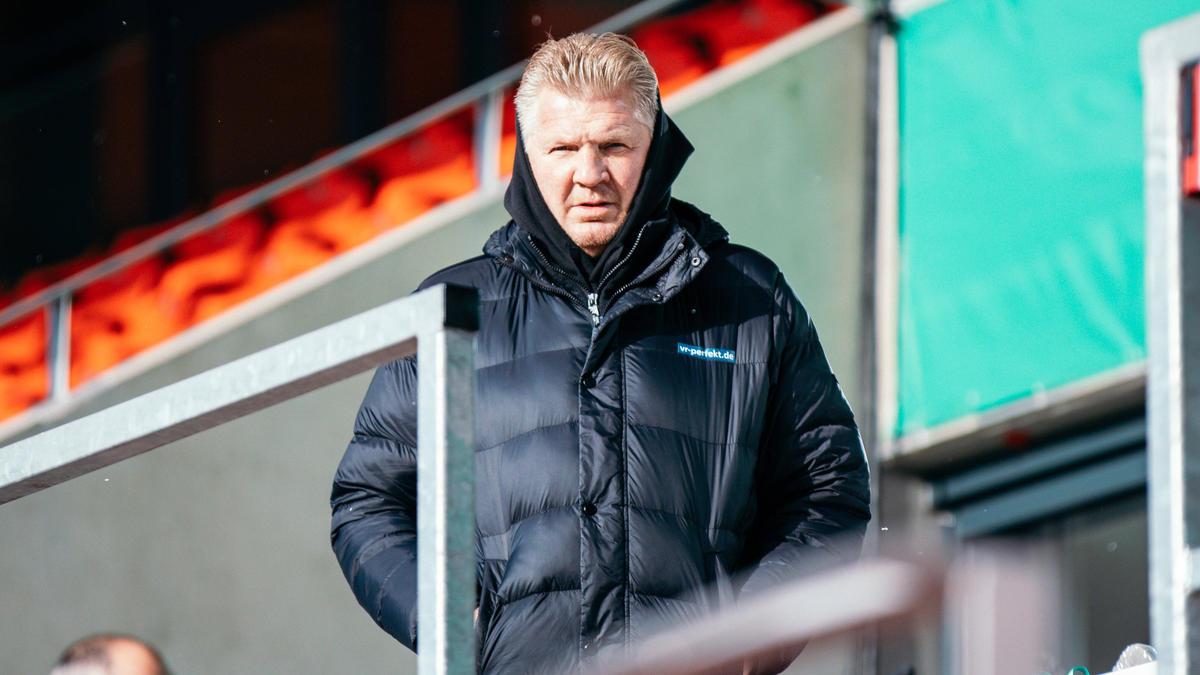 Stefan Effenberg hat sich zur Lage beim FC Schalke 04 geäußert