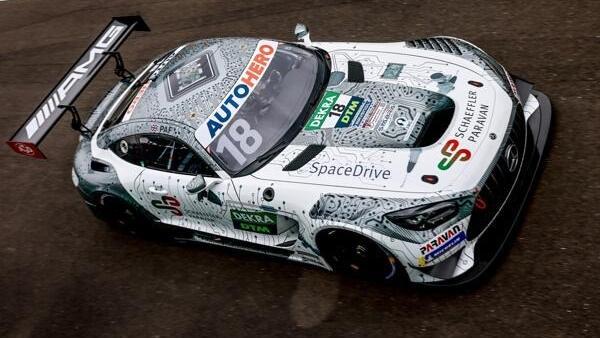 An den ersten zwei DTM-Wochenenden wird Maximilian Buhk Paffetts Auto fahren