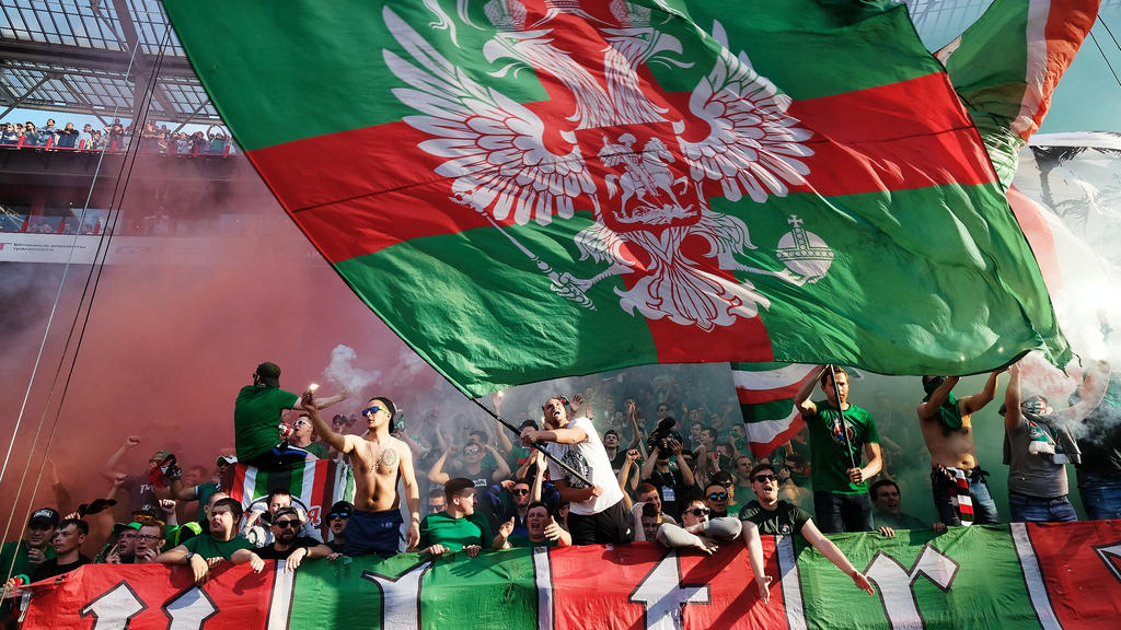 Moskau-Anhänger gerieten mit Schalkern aneinander
