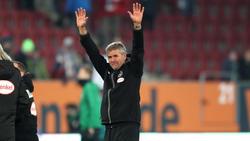 Düsseldorfs Trainer Friedhelm Funkel freute sich über den Sieg in Augsburg