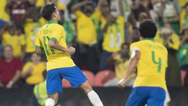 Bayern-Profi Philippe Coutinho (l.) hatte mit Brasilien gegen Südkorea Grund zum Jubel