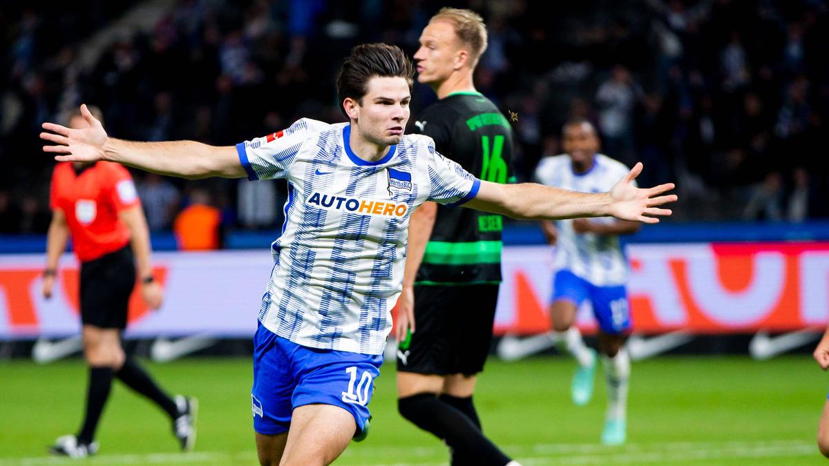 Debütant Jurgen Ekkelenkamp traf wenige Sekunden nach seiner Einwechslung