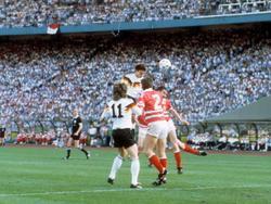 EM 88: Thon trifft zum 2:0-Endstand gegen Dänemark