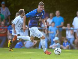 Schalke-Leihgabe Platte in Aktion