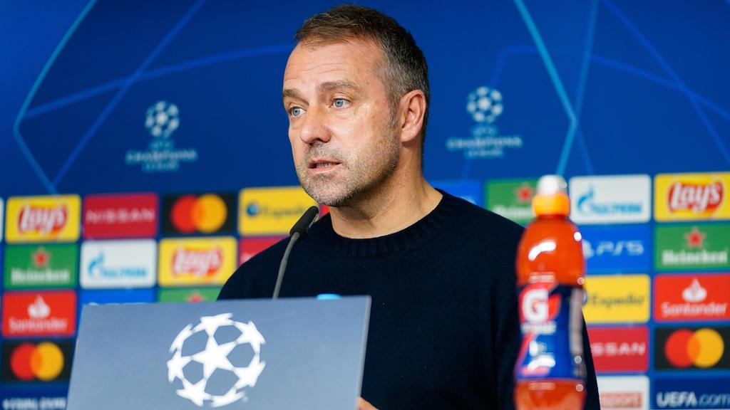Hansi Flick hat auf der Pressekonferenz des FC Bayern Rede und Antwort gestanden