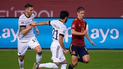 Für Spaniens Bundesliga-Legionär Dani Olmo (r.) zählt die DFB-Elf zu den EM-Favoriten