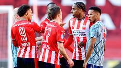 Zwischen PSV und Ajax ging es hoch her