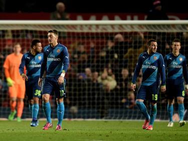 Los jugadores del Arsenal tras el empate del Manchester. (Foto: Getty)