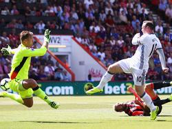 Rooney marcó su gol número 87 fuera de casa e igualó a Alan Shearer. (Foto: Getty)
