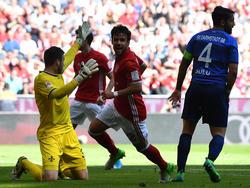 Bayerns Bernat darf über seinen Treffer zum 1:0 gegen den SV Darmstadt 98 jubelb. (06.05.2017)