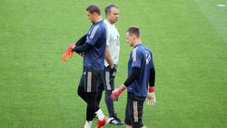 Manuel Neuer (l.) fiel zuletzt angeschlagen aus