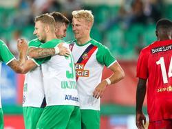 Marco Grüll freut sich mit den Kollegen über einen erfolgreichen Saisonstart
