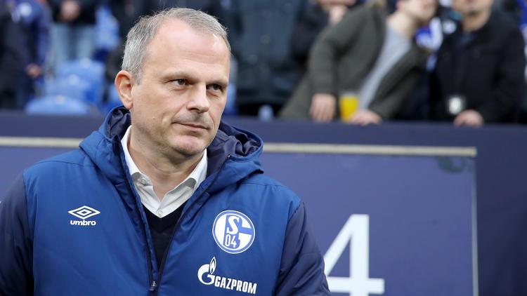 Jochen Schneider lobt den BVB vor dem Revierderby