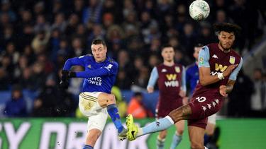 Jamie Vardy (l.) und Co. nur 1:1 gegen Aston Villa