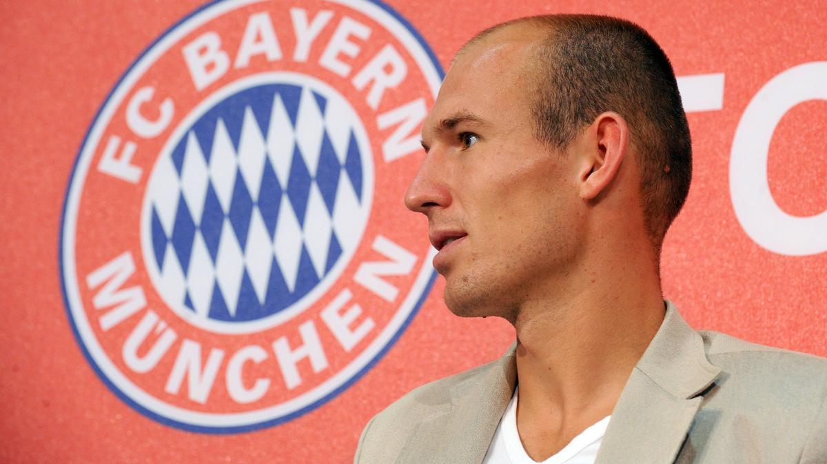 Arjen Robben bei seiner Vorstellung beim FC Bayern im Jahr 2009