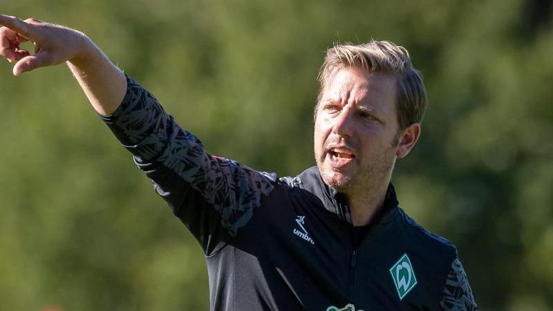 Werder-Trainer Florian Kohfeldt hofft auf den Verbleib seines Leistungsträgers